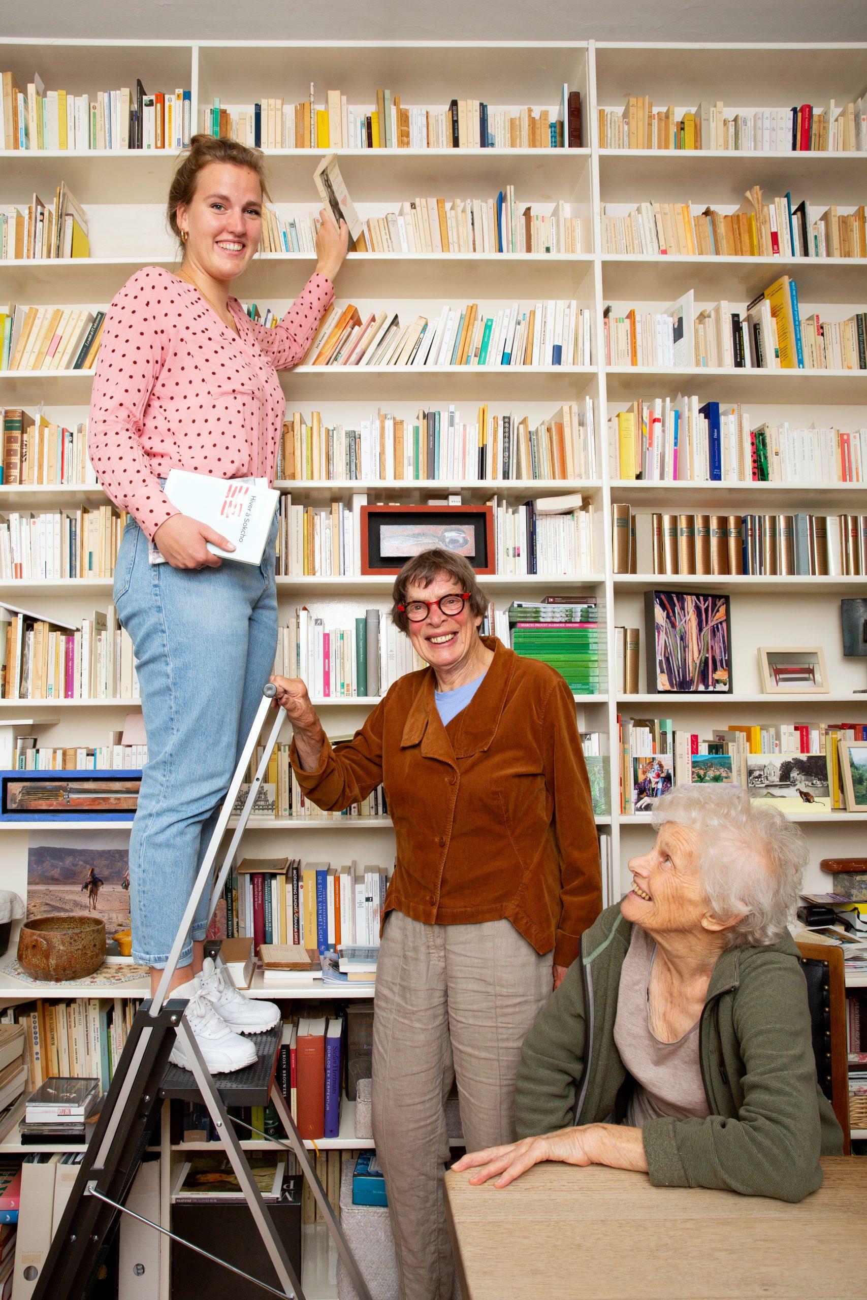 Else (82) en Gré (83) dolblij met 'hun' student Elsemarijn (24)